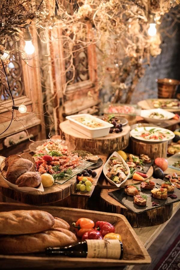 電飾コーディネートは会場の料理にも大活躍