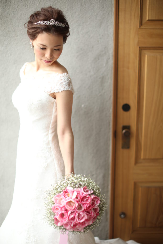 香川県高松市の結婚式場リュバンのプリンセスとティアラのへアレンジ