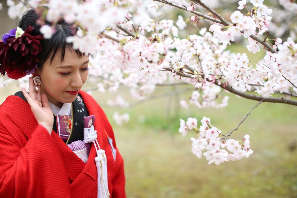 香川県高松市の結婚式場リュバンの和装に生花を使用したヘアアレンジ