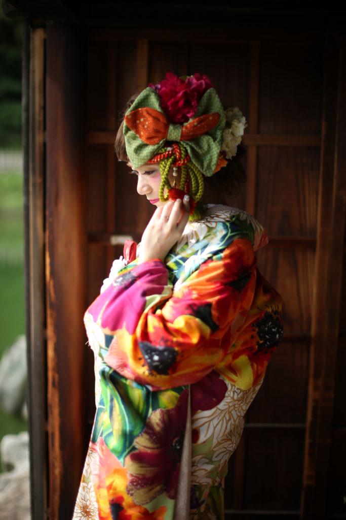香川県高松市の結婚式場リュバンの和装に大きなヘッドアクセサリー